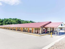 Travelodge By Wyndham Parkersburg photos Exterior