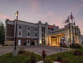 Hampton Inn & Suites Berkshires-Lenox photos Exterior