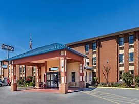 Travelodge By Wyndham Winchester photos Exterior