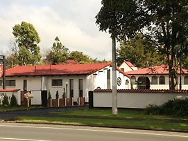 Papakura Motor Lodge & Motel photos Exterior