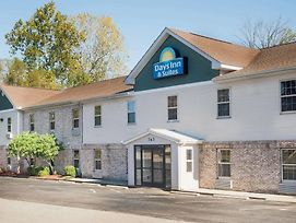 Days Inn & Suites By Wyndham Sellersburg photos Exterior