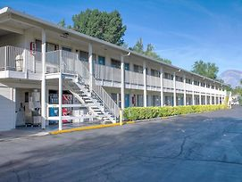 Motel 6 Bishop photos Exterior