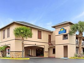 Days Inn By Wyndham Kissimmee West photos Exterior