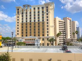 Ramada Plaza Resort & Suites By Wyndham Orlando Intl Drive photos Exterior
