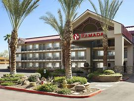 Ramada By Wyndham Tempe/At Arizona Mills Mall photos Exterior