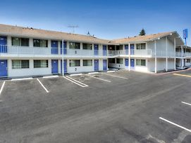 Motel 6 Portland South - Lake Oswego - Tigard photos Exterior