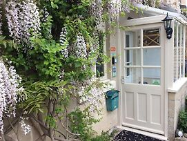 Romantic Cottage Escape With Picturesque Gardens In Bath photos Exterior