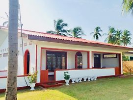 Sampalthivu Beach Villa photos Exterior