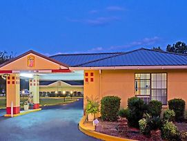 Super 8 By Wyndham Chipley photos Exterior