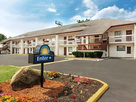 Days Inn By Wyndham Queensbury/Lake George photos Exterior