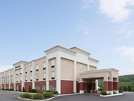 Hampton Inn Pine Grove photos Exterior