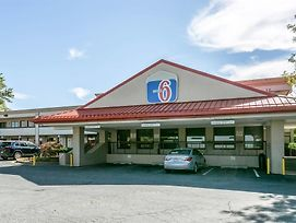 Motel 6 Edgewood photos Exterior