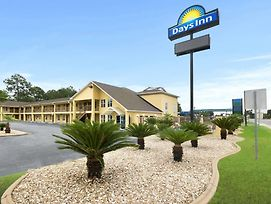 Days Inn By Wyndham Alma photos Exterior