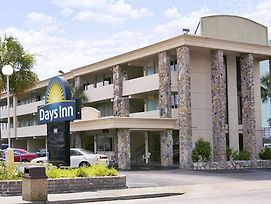 Days Inn By Wyndham Myrtle Beach-Beach Front photos Exterior