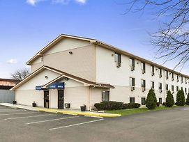 Travelodge By Wyndham Battle Creek photos Exterior