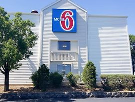 Motel 6 Maryland Heights Mo photos Exterior