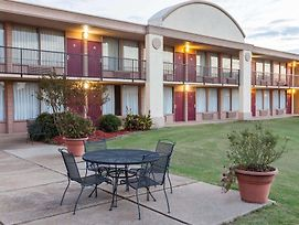 Days Inn By Wyndham Hillsboro Tx photos Exterior