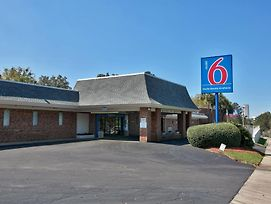 Motel 6 Tallahassee - Downtown photos Exterior