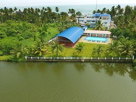 Blue Waters Cherai photos Exterior
