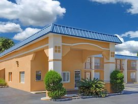 Super 8 By Wyndham Port Royal/Beaufort photos Exterior