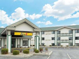 Super 8 By Wyndham Wisconsin Dells photos Exterior