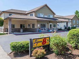 Super 8 By Wyndham Gresham/Portland Area Or photos Exterior