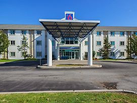 Motel 6 Toronto East - Whitby photos Exterior