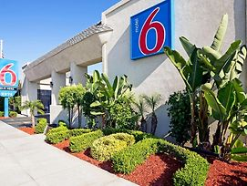 Motel 6 Newport Beach photos Exterior