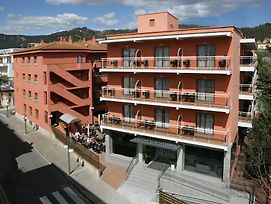 Tossa Center photos Exterior