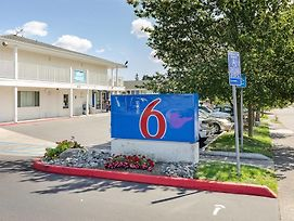 Motel 6 Tacoma South photos Exterior