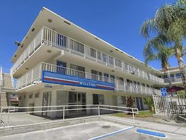 Motel 6 San Bernardino North photos Exterior