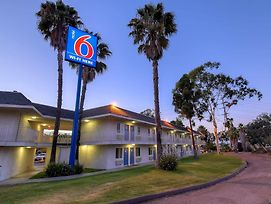 Motel 6 San Diego North photos Exterior