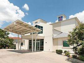 Motel 6 Cleburne photos Exterior