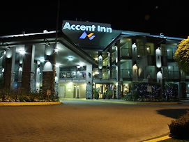 Accent Inn Vancouver Airport photos Exterior