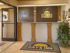 Rodeway Inn & Suites Manchester photos Interior