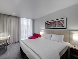 Travelodge Hotel Melbourne Docklands photos Exterior