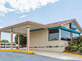 Travelodge By Wyndham Ridgeway Martinsville Area photos Exterior