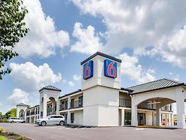 Motel 6 White House Tn photos Exterior