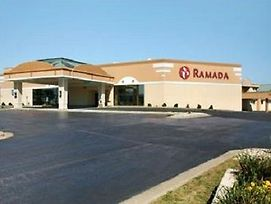 Ramada Airport Conference Center Moline photos Exterior