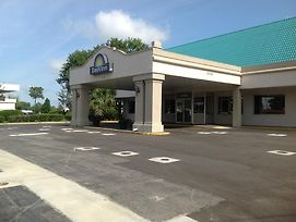 Days Inn By Wyndham Tallahassee-Government Center photos Exterior