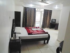 Scenic Sweet Rooms In Katra photos Exterior