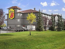 Super 8 By Wyndham Whitecourt photos Exterior