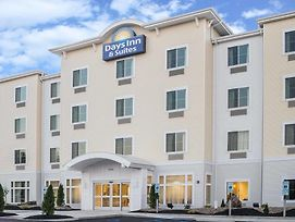 Days Inn By Wyndham Cadiz photos Exterior