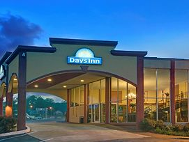 Days Inn By Wyndham Kansas City photos Exterior