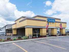 Travelodge By Wyndham Grand Forks photos Exterior
