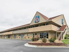Motel 6 Overland Park photos Exterior