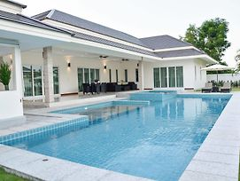 Tulip House Pool Villa Hua Hin photos Exterior