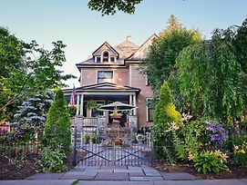 La Belle Auberge Bed And Breakfast photos Exterior