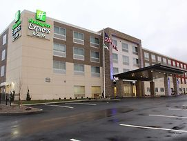 Holiday Inn Express & Suites Marietta photos Exterior
