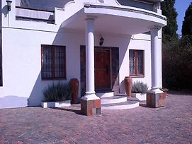 Six Valk Avenue Self Catering Guest House photos Exterior